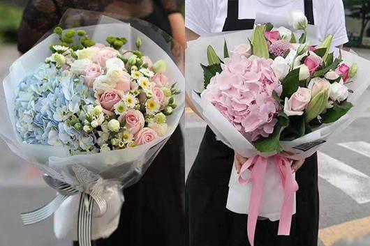 一般送孕妇什么礼物好-送玫瑰混搭鲜花花束