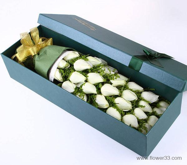 纯情 - 33朵白玫瑰鲜花礼盒