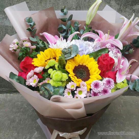 脸上的微笑 - 百合韩式花束