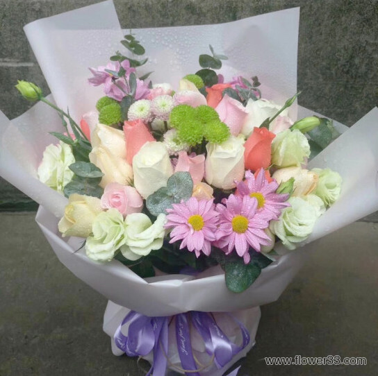 多彩世界 - 精美鲜花花束