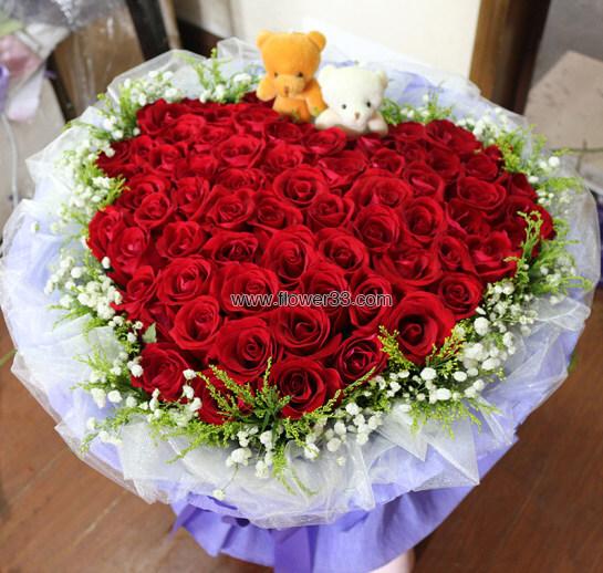 陪伴是最长情的告白 - 66朵红玫瑰花束心形
