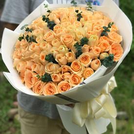 表白适合送什么花-香槟玫瑰花束